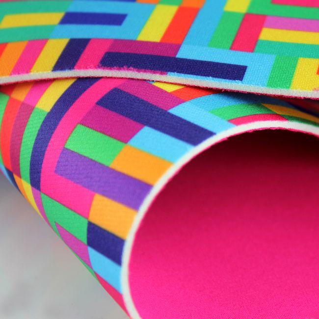 novoprene-alternativo-2mm-estampado-com-cacharrel-lego-pink