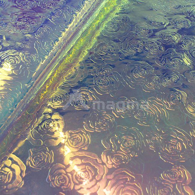 cristal-camaleao-gravado-rosas-AF927